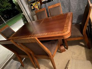 Crate and Barrel dining table for Sale in Jurupa Valley, CA