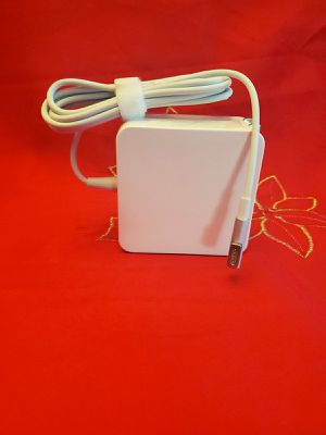 NO DELIVERY Macbook Pro Charger Mag 1 60W 13-13.3 inch for Sale in South Gate, CA
