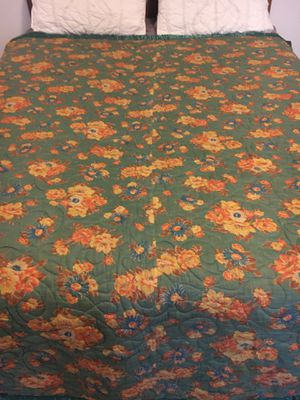 Vintage Floral Quilted Bedspread Comforter 40s 50s for Sale in Olathe, KS