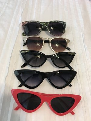5 sunglasses for Sale in Orlando, FL