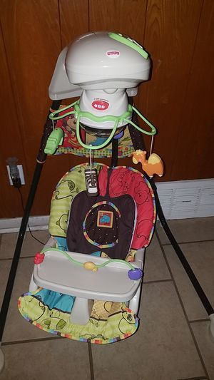 Fisher price/ baby swing for Sale in Irving, TX