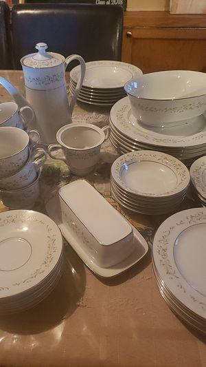 ANTIQUE DINNERWARE SET BEAUTIFUL for Sale in San Marcos, CA