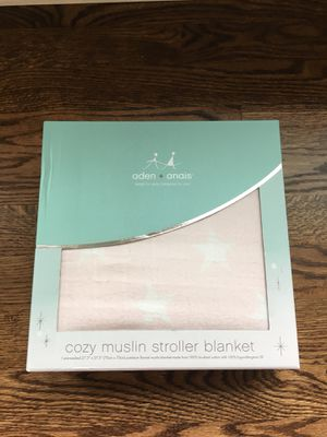 Aden + Anais Cozy Muslin Stroller Blanket Light Pink Star Pattern for Sale in Chicago, IL