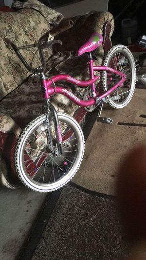 Girls Bike for sale look like new for Sale in Detroit, MI