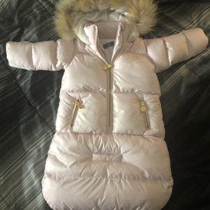 Bebebon Infant Snow Suit for Sale in Pahrump, NV