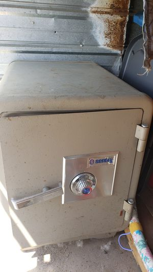 Safe Sentry Fireproof for Sale in Chippewa Falls, WI