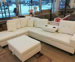 İn STOCK Moda Trend Spcl White Pablo Sectional And Ottoman 04467 for Sale in Alexandria,  VA