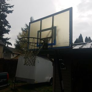 Full Size Basketball hoop for Sale in Newberg, OR
