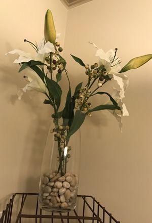 Glass vase with flowers & river rocks for Sale in Atlanta, GA