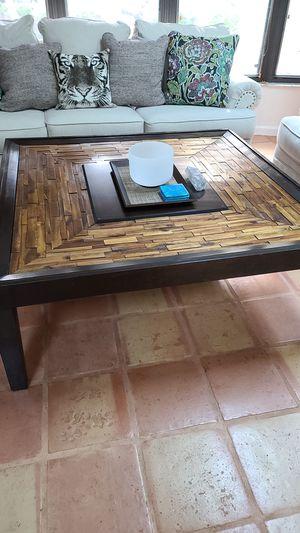 Coffee table for Sale in VLG WELLINGTN, FL