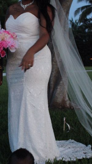 Ivory all lace corset back wedding dress only worn once for Sale in West Palm Beach, FL