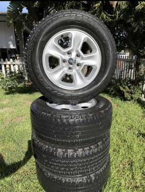 Jeep Wrangler/Cherokee 17in wheels. OEM no scratches or scuffs. 245 70 R17 for Sale in Los Angeles, CA