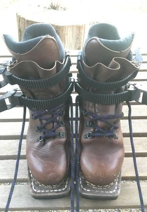 Cross country 3-pin ski boots size 7 for Sale in Portland, OR