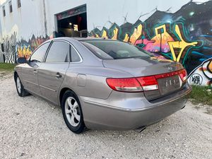 2007 Hyundai azera for Sale in North Miami, FL