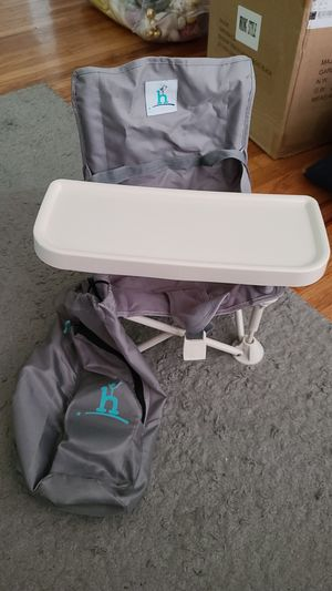 Hiccapop travel booster seat for Sale in Long Beach, CA