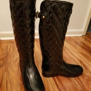 HUNTER QUILTED RAIN BOOT for Sale in Philadelphia, PA