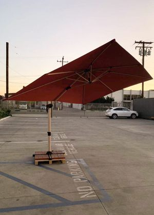 New large 11x9x8.5 feet tall diameter cantilever offset roma outdoor patio umbrella tilt and crank 360 degrees rotation burgundy red umbrella cover i for Sale in Los Angeles, CA