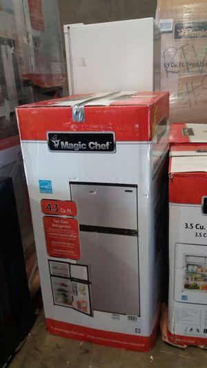 Magic Chef 4.3 Cu Ft 2 door mini refrigerator for Sale in Phoenix, AZ