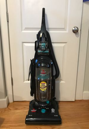 Bissell Upright vacuum cleaner for Sale in Boston, MA