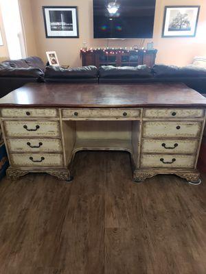 Large desk for Sale in Payson, AZ