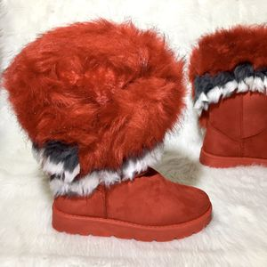 "Women's ""Furry"" Boots. Sizes 9. for Sale in Houston, TX"