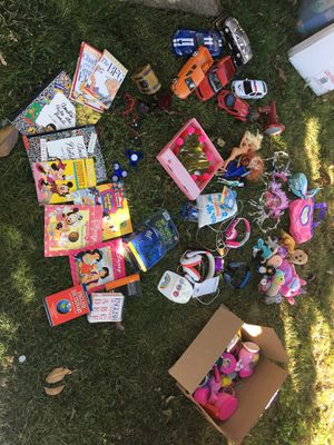 Free Kids toys/books for Sale in Elk Grove, CA