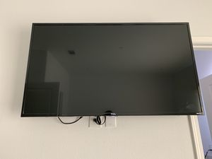 "TCL 49"" LED 4K ULTRA HD ROKU SMART TV with WALL MOUNT for Sale in Garden Grove, CA"