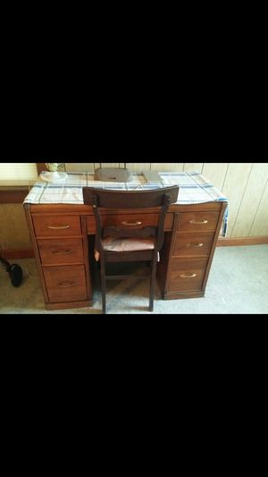 Desk with chair. for Sale in Lockport, NY