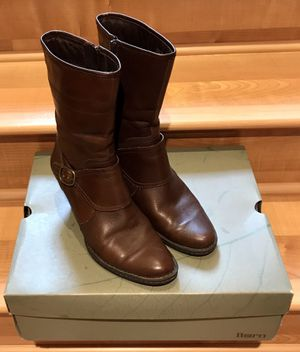 Born Leather Boots In Size 8 for Sale in Redmond, WA