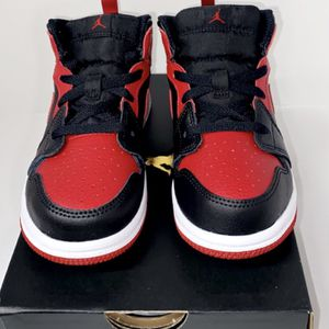 """New Air Jordan 1 """"Banned"""" Mid Boys Toddler Size 10c for Sale in Woodburn, OR"""