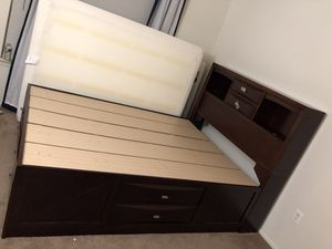 8 Drawer Storage Bed Queen for Sale in Pittsburgh, PA
