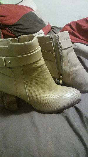 Boots size 7 for Sale in West Palm Beach, FL