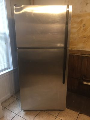 GE Appliance Refrigerator for Sale in Boston, MA