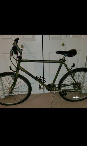 Trek 820 Mountain Trak Bike 21inches for Sale in Grand Prairie, TX