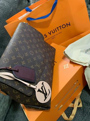 Louis Vuitton bag for Sale in Bronx, NY