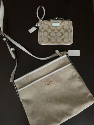 Coach crossbody and matching wallet for Sale in Pomona, CA