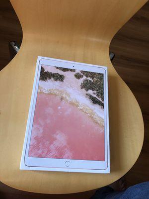 iPad Pro 10.5 256GB WiFi for Sale in Downers Grove, IL
