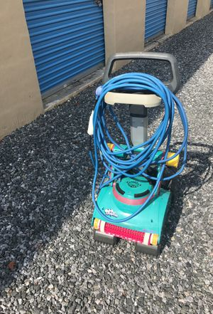 Pool Cleaner. Dolphin Deluxe 4 for Sale in Stevensville, MD