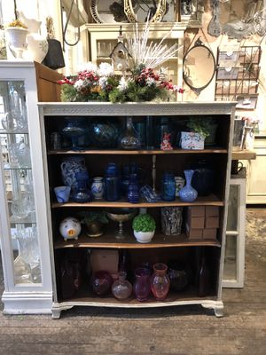 Antique/distressed bookcase with wood shelves for Sale in Libertyville, IL