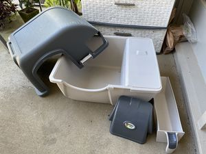 Omega Paw Self Cleaning Litter Box for Sale in Brookhaven, GA