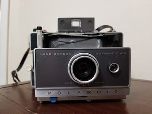 Vintage 1960 Poloroid 100 film land camera for Sale in Columbus, OH
