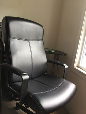 Office chair/ gaming chair for Sale in New Britain, CT