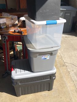4 Storage Bins (( 2 Pictures )) for Sale in Salinas,  CA