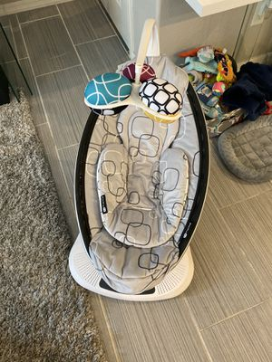 4moms mamaRoo 4 baby swing, high-tech baby rocker, Bluetooth enabled – soft, plush fabric with 5 unique motions for Sale in Gilbert, AZ