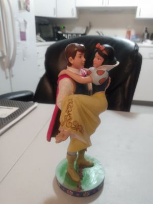 Jim Shore Disney Snow White and Prince Charming figurine for Sale in Bethlehem, PA