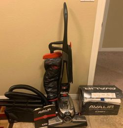 Kirby Avalir w/ EXTRAS & Shampooing Kit for Sale in Las Vegas,  NV