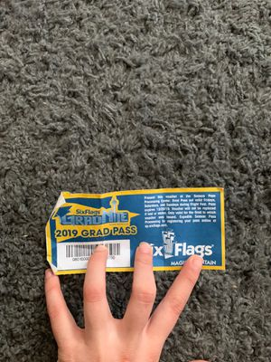 SIX FLAGS TICKET for Sale in Fontana, CA