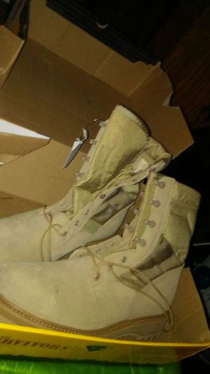 Mens vibram army style workboots size 10.5 for Sale in Pemberton, NJ