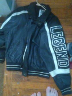 legend 100% leather jacket for Sale in Roseville,  MI