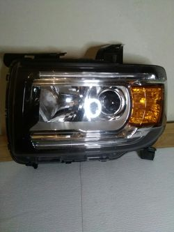 2015–2019 GMC Canyon headlight for Sale in Dallas,  TX